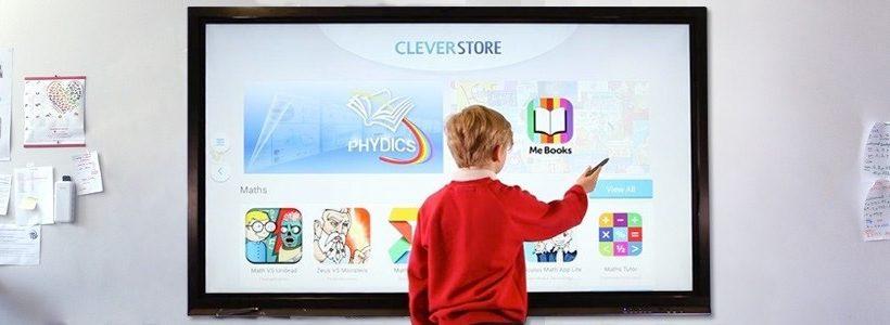 Comment choisir le bon cran interactif pour une salle de for Choisir ecran